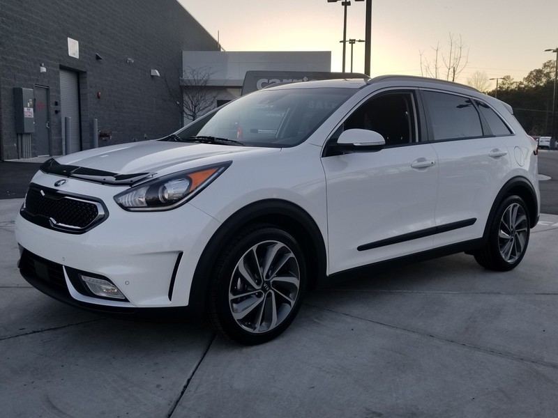 new 2018 kia niro touring fwd 4 dr suv in woodstock w00924 carriage kia of woodstock. Black Bedroom Furniture Sets. Home Design Ideas